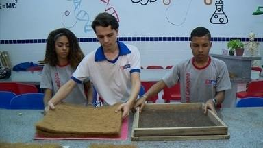Jovens criam painel de isolamento acústico com fibra de coco - Alunos de Maceió são personagens do quadro Aluno Nota 11.