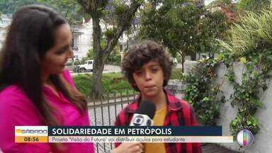 """Projeto """"Visão do Futuro"""" vai distribuir óculos para estudantes em Petrópolis, no RJ - Assista a seguir."""