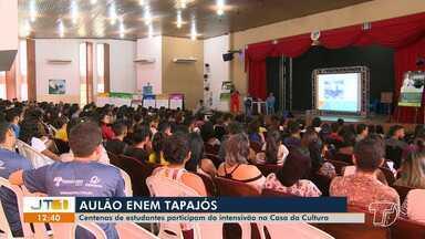 Centenas de candidatos participam do aulão 'Enem Tapajós' em Santarém - Evento do STC tem como proposta revisar os conteúdos cobrados na prova.
