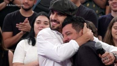 Caio castro canta junto com Bruno e Marrone - Ator pede música para a dupla