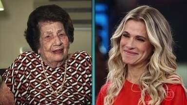 Ingrid Guimarães se emociona com depoimento - Atriz diz que a avó sempre sonhou com o sucesso na TV