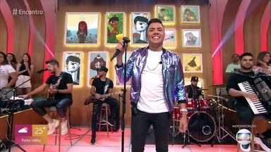 Felipe Araújo canta 'Espaçosa Demais' - Confira