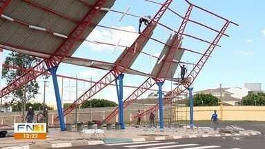 Continuam em Prudente os trabalhos de recuperação após a chuva - Terminal da Zona Oeste de PP foi danificado pelo temporal.