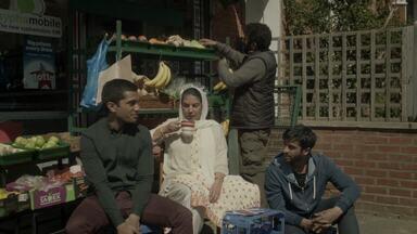 Episódio 3 - Shahid lida com as consequências da visita de Iqbal. Mary pede a Bogdan para começar as reformas na casa de Petunia. Roger passa por um incidente com consequências desastrosas.