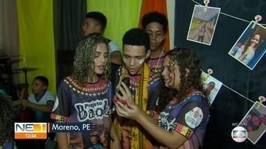Projeto de escola de Moreno incentiva o respeito às diferenças - Iniciativa foi tema do 'Eita, que massa!' do NE1.