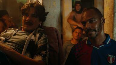 Episódio 10 - Bruninho Bagdá e Salvador lideram uma rebelião. Evandro tenta se estabelecer na Bolívia, mas Morello segue na sua cola. Um velho amigo de Evandro reaparece.