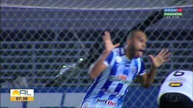 CSA conta com seu torcedor e mostra força em casa na reta final do Brasileirão - No Rei Pelé, Azulão bateu o Corinthians, 2 a 1, no Rei Pelé