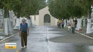 Cemitérios funcionam em horários especiais no Dia de Finados - Cemitérios funcionam em horários especiais no Dia de Finados