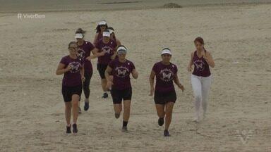 Mulheres praticam exercícios para superar desafios em Santos - 'Mulheres Borboletas' é o nome que leva um grupo de praticantes de exercícios físicos da cidade de Santos.