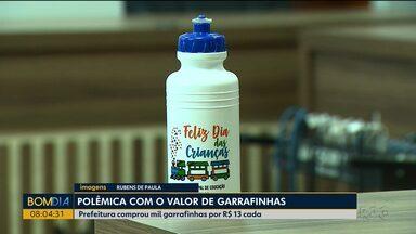 Valor pago por garrafas de brinde causa polêmica no interior do estado - Cada garrafa teve um custo de R$13,00.