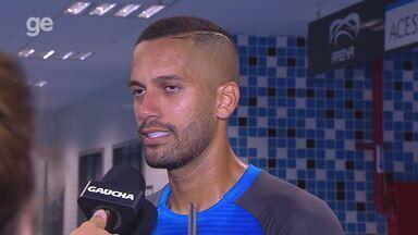 Confira a entrevista de Rômulo após a vitória do Grêmio contra o Inter no Gre-Nal 422 - Assista ao vídeo.