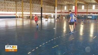 Defensoria Pública acompanha transferência do Camelódromo para o PUM - Medida vai afetar alunos que fazem atividades físicas no complexo esportivo.