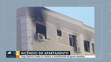 Incêndio em apartamento gera susto em moradores no bairro Belvedere em Montes Claros - Segundo o corpo de bombeiros o fogo começou em um quarto, se alastrando para demais regiões do apartamento.