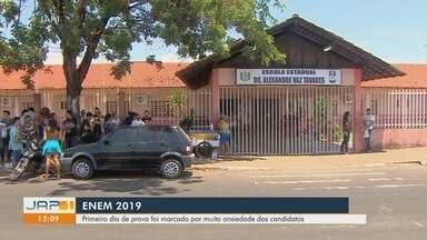 Primeiro dia de prova do Enem em Macapá foi marcado por muita ansiedade dos candidatos - Primeiro dia de prova do Enem em Macapá foi marcado por muita ansiedade dos candidatos