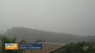 Moradores registram em vídeos chuva na região de Campinas - Vídeos enviados ao EPTV 1 com registros da chuva durante a madrugada e a manhã desta terça.