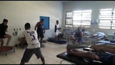 Ambulatório de Medicina Esportiva atende atletas de forma gratuita em Uberaba - Há um ano em funcionamento, mais de 900 atendimentos fisioterápicos e mais de 600 consultas médicas foram realizadas sem custos a atletas amadores e profissionais da cidade