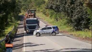 Van com detentos é atacada a tiros em Pernambuco - Um detento morreu e outros três ficaram feridos. Os presos eram de um centro de ressocialização da cidade de Canhotinho.