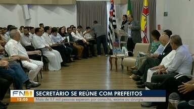 Prefeitos do Oeste Paulista se reúnem com secretário estadual da Saúde - Mais de 17 mil pessoas esperam por consulta, exame ou cirurgia.