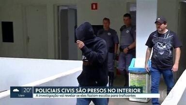 Dois policiais civis são presos suspeitos de fazer escola para traficantes - A Secretaria de Segurança Pública informou que o caso foi registrado como tráfico de drogas e associação criminosa.