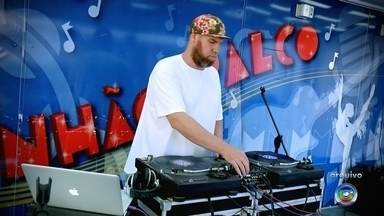 Confira os destaques da 9ª edição da Semana do Hip Hop de Bauru - Evento que conta com o apoio da TV TEM segue até domingo (10) e é considerado um dos maiores festivais gratuitos da modalidade na América Latina. A programação deste ano tem mais de 60 atividades de graça espalhadas pela cidade.
