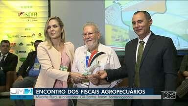 Fiscais se reúnem em São Luís para discutir educação sanitária - Durante os trabalhos, o Mirante Rural recebeu uma homenagem.