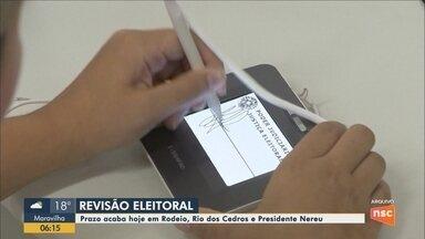 Prazo para revisão do eleitorado com cadastramento biométrico em SC termina nesta sexta - Prazo para revisão do eleitorado com cadastramento biométrico em SC termina nesta sexta