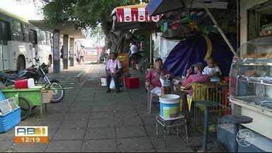 Prefeitura quer retirar comerciantes que tem barracas na Estação Ferroviária - Comunicado da prefeitura pra deixar o local em 15 dias.