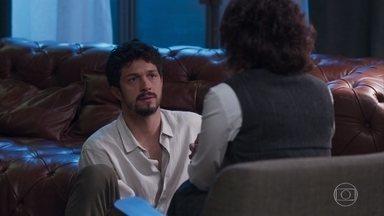Marcos tenta convencer Nana que está apaixonado por Paloma - Nana tenta desencorajar Marcos a seguir em frente com o romance com Paloma