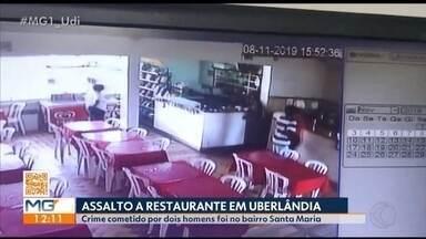 Dupla armada assalta restaurante em Uberlândia - Imagens das câmeras de segurança mostram a ação dos criminosos. Eles levaram cerca de R$ 600. De acordo com a Polícia Militar, ninguém ficou ferido.
