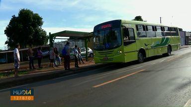 Passageiros reclamam dos horários dos ônibus da Vila C - Segundo o diretor de transportes, João Batista os horários estão na tabela antiga há quinze dias.