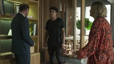 Guga enfrenta Max e sai de casa - Regina e Meg se desesperam. Guga avisa que voltará para buscar a mãe de seu filho