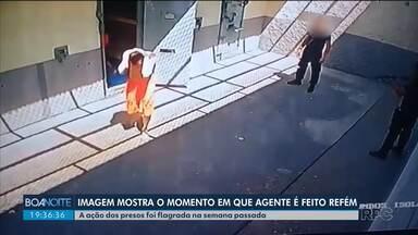 Imagem mostra o momento em que agente penitenciário é feito refém - A ação foi semana passada, na casa de custódia de Piraquara.