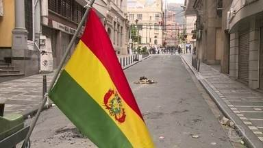 Após renúncias em série, expectativa é que Bolívia comece a se reorganizar nesta terça - Líderes do Congresso, prefeitos e governadores foram deixando seus cargos por todo o país.