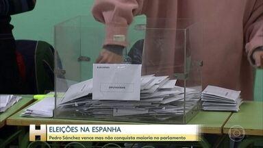 O socialista Pedro Sánchez venceu as eleições na Espanha ontem, mas não conseguiu maioria - Resultado das urnas apontou também avanço da extrema-direita no país.