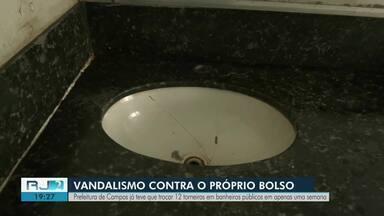 Prefeitura de Campos troca 12 torneiras em banheiros públicos em uma semana - Situação é provocada por atos de vandalismo na cidade.