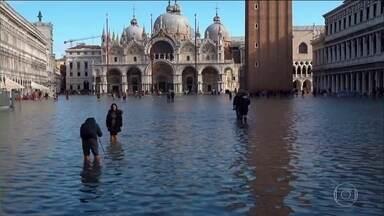 Governo da Itália declara estado de emergência em Veneza - Inundação afeta mais de 80% da cidade.