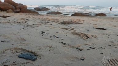 Manchas de óleo voltam a aparecer nas praias do Piauí e da Bahia - Segundo balanço do Ibama, 607 locais do litoral brasileiro já foram atingidos pelo óleo desde o final de agosto.