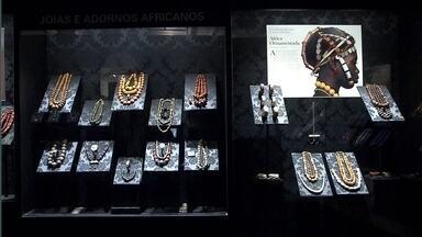 Museu Afro, no Ibirapuera, conta a história da cultura africana - Entre as peças, estão obras de arte aricana e fotos históricas.