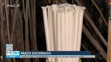 Estabelecimentos de Juiz de Fora não podem mais oferecer e utilizar canudos de plásticos - Medida entra em vigor a partir da próxima semana. Prazo de 120 dias foi dado pela Lei Municipal para que bares, restaurantes e lanchonetes se adequassem.