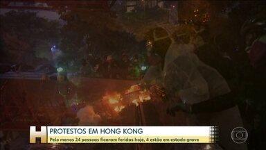 Polícia cerca e invade Universidade Politécnica de Hong Kong - Desde o início dos protestos mais de 4.400 pessoas foram detidas. Nesta segunda-feira, dezenas de manifestantes ficaram feridos. A Comissão Europeia disse que a escalada da violência é inaceitável.