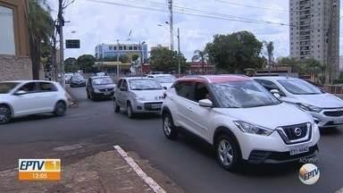 Obra de adequação viária exige novos bloqueios na zona Sul de Ribeirão Preto - Cruzamento por baixo do viaduto Ayrton Senna e trecho entre as avenidas Antônio Diederichsen e Nove de Julho estão fechados.