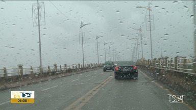 Chuva inesperada traz prejuízos em São Luís - Depois de um longo período de sol, a chuva voltou e pegou muita gente de surpresa aqui na capital.