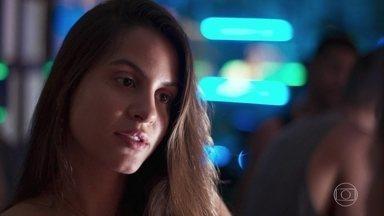 Leila provoca Rita - Filipe não gosta de saber que Rui dedicou uma música para sua namorada