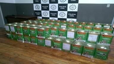 Polícia Civil de Alegrete prende quadrilha que fraudava latas de tinta - Latas adulteradas eram vendidas por um preço cerca de 20% abaixo do mercado.