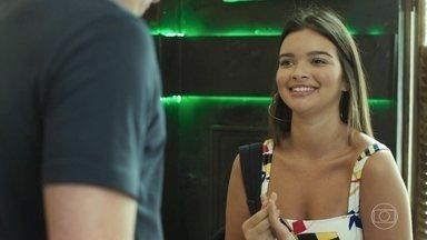 Nanda diz a Rui que está apaixonada por ele - Rui se assusta e pede para conversar com a adolescente