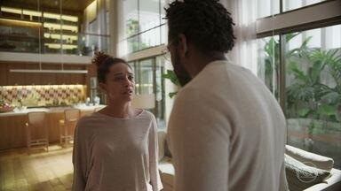 Vitória afirma que vai ter um filho de qualquer jeito - Paulo abandona a advogada