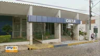 Morador é baleado durante ataques a agências bancárias em Conceição do Rio Verde, MG - Morador é baleado durante ataques a agências bancárias em Conceição do Rio Verde, MG