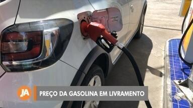 Gasolina chega a R$ 5,35 na região da Campanha - Motoristas de Bagé e de Santana do Livramento estão preocupados com novo aumento anunciado pelo governo.