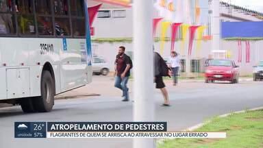Pedestres insistem em atravessar fora da faixa e da passarela - Na quinta-feira, um homem morreu atropelado na EPTG.