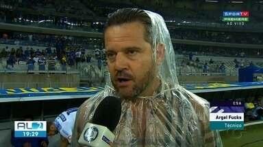 Argel Fucks deixa o CSA após vitória do time contra o Cruzeiro - Decisão do técnico pegou o clube e os torcedores de surpresa.